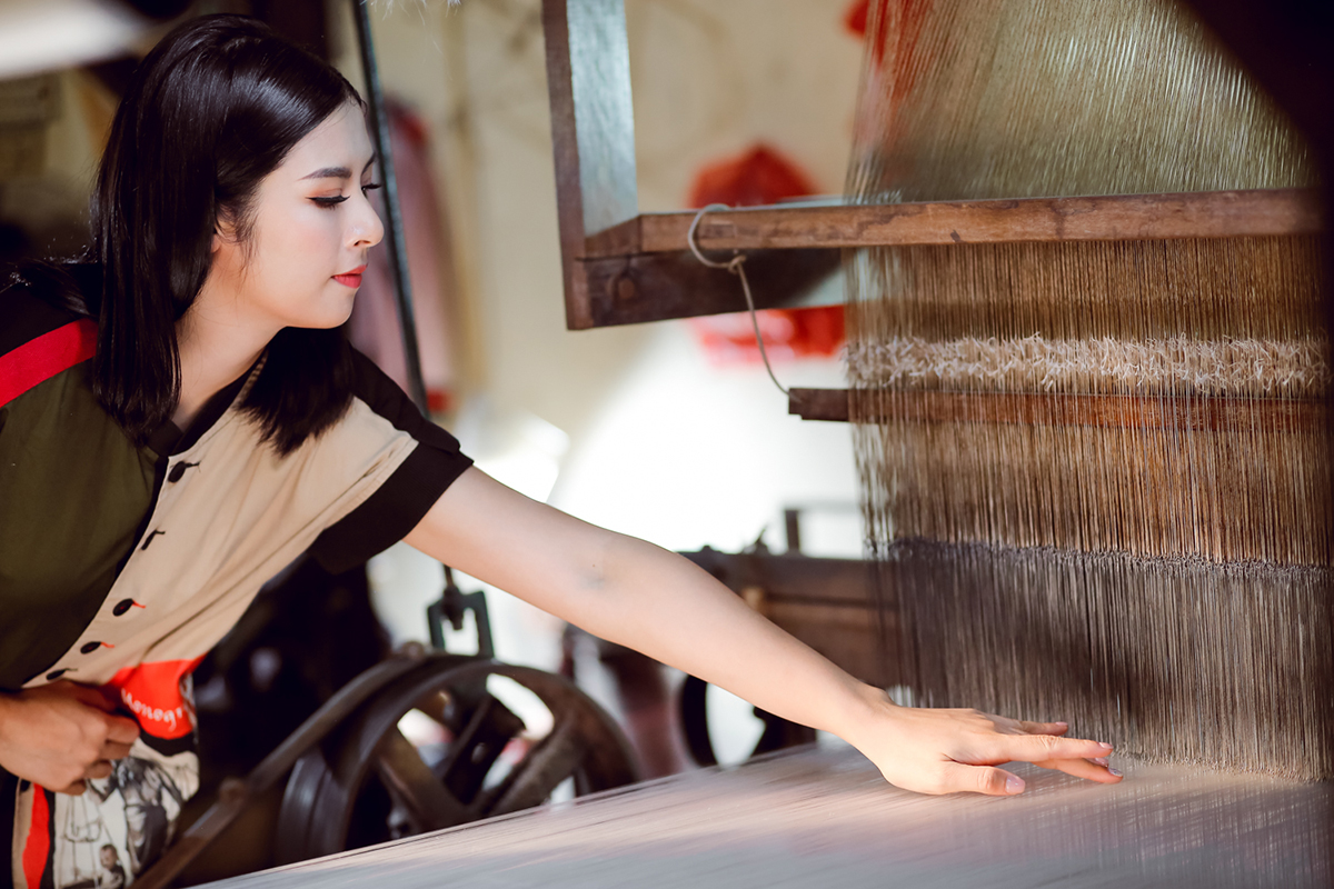 Ngọc Hân làm áo dài cho chung kết Hoa hậu Việt Nam