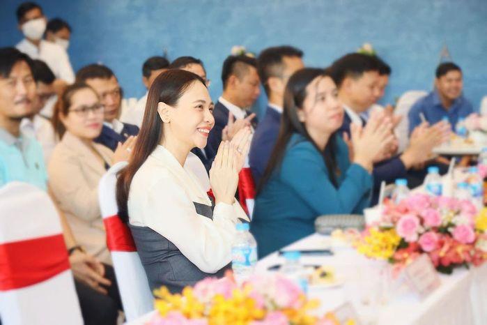 Hội mẹ bỉm sữa làng giải trí Việt dính nghi án thẩm mỹ vì nhan sắc ngày càng thăng hạng